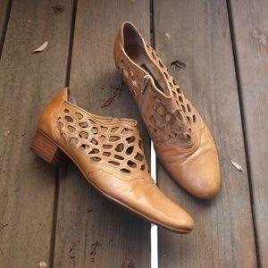 Everybody by B.Z. Moda Orange Leather Shoes 39 / 9
